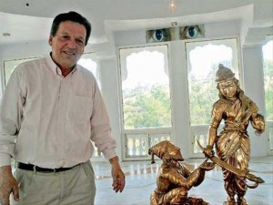 Francois Gautier at the Chatrapati Shivaji Maharaj Museum of Indian History