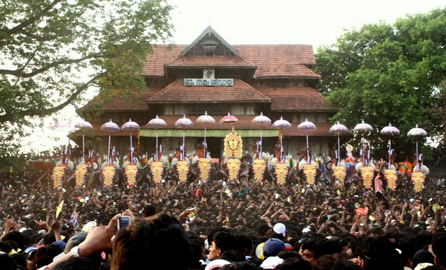 Only Hindus on temple boards, says Kerala government