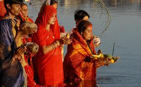 hindu women praying