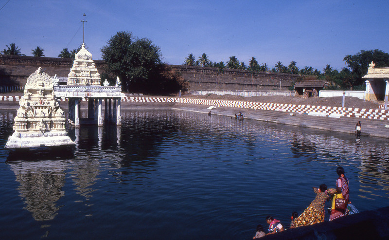 Why do Hindu Temples have Water Tanks?