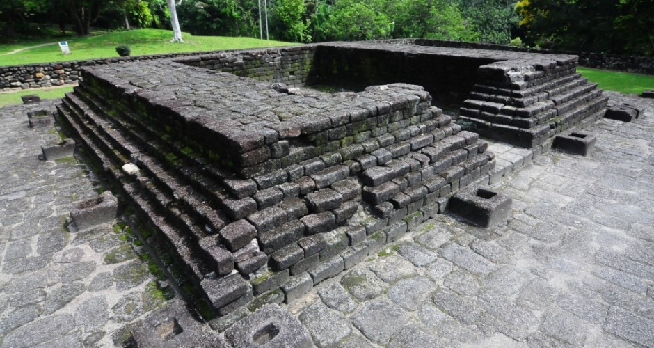 Malaysia : 8th century Hindu temple site in Bujang Valley demolished