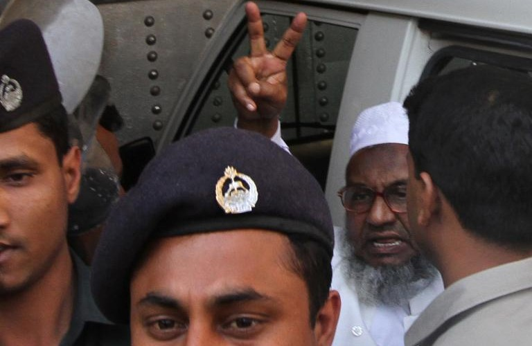 Bangladesh Islamist Abdul Quader Molla to be hanged after midnight