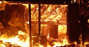 Temple set ablaze over alleged desecration of holy book in Pakistan