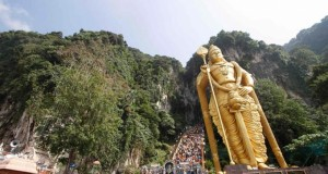 Malaysia 'Huge' Hindu, Buddhist statues against Islam, ex-judge says
