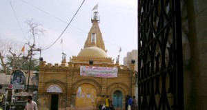 150 year old Hindu temple under threat in Karachi