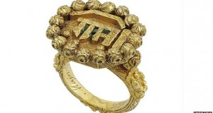 Controversial Indian ring auctioned at Christie's
