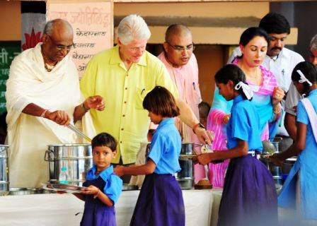 Govt school kids score over Bill Clinton's delegation with Vedic Maths