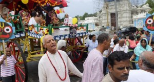 Hindu holiday celebrated on the streets of St. Louis County