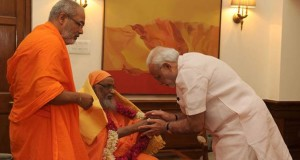 PM Modi mourns death of his guru Swami Dayananda Saraswati