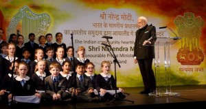 Video : Modi in Ireland: Irish Kids sing Sanskrit Shlokas, PM mocks Indian 'Secularists'