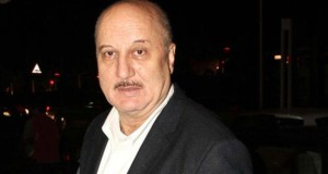 Video : 'Scared to say I am Hindu' : Anupam Kher