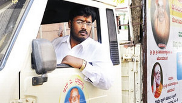 School dropout Shivakumar feeds 1000s of the poor and hungry with leftover wedding food