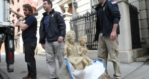 Ancient Statue Is Seized From Manhattan Gallery