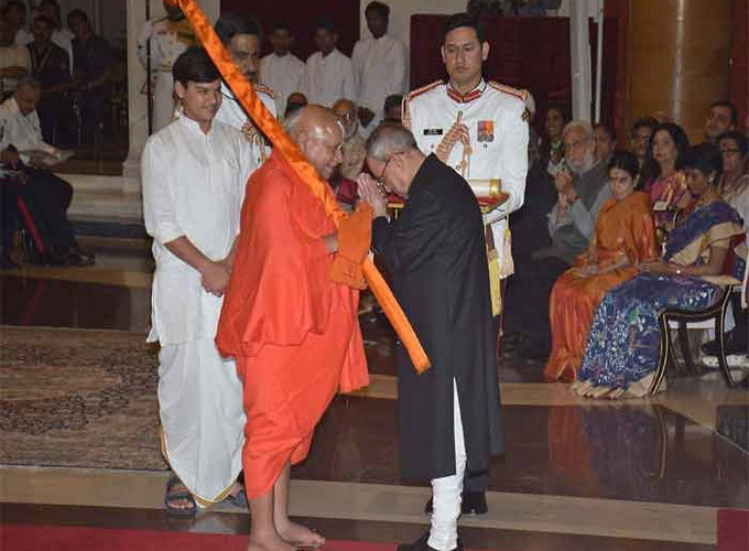 Visually impaired Jagadguru a messiah for others