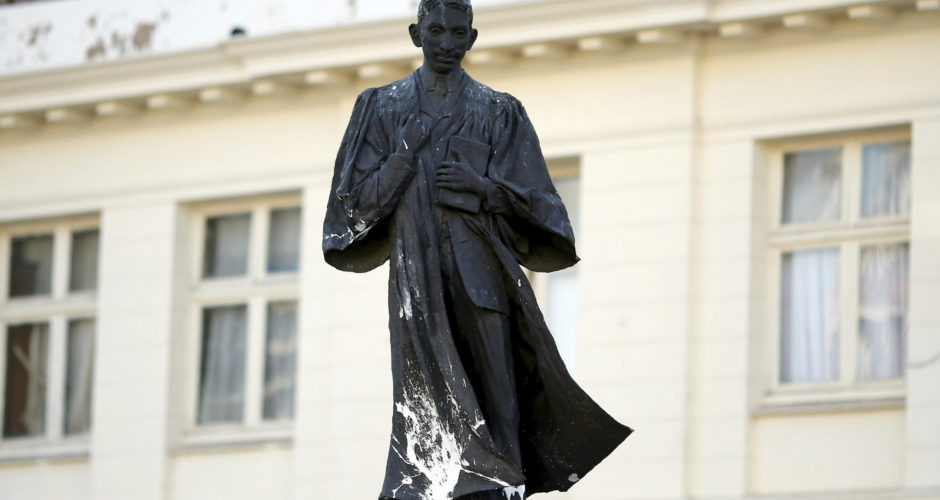 Statue of Gandhi will be removed from Ghana University campus after protests